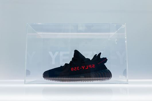 """Picture of Fresh Box """"YEEZY"""" Custom Clear"""