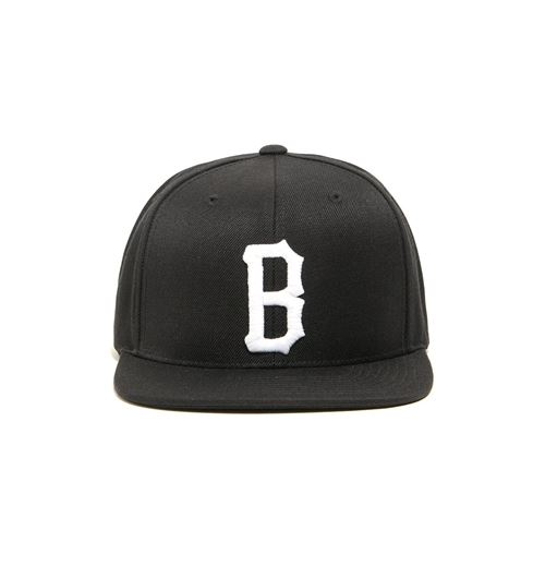 Picture of B LOGO SNAP BACK HAT Black