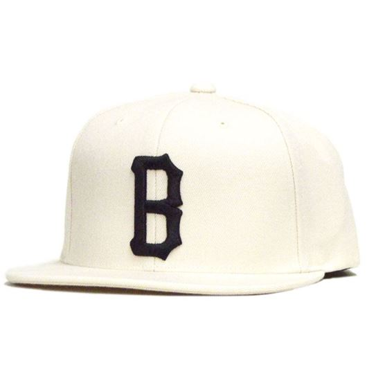 Picture of B LOGO SNAP BACK HAT Cream